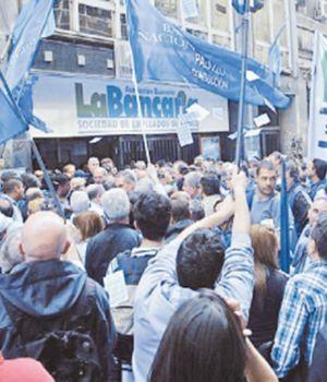 La Bancaria ratificó el paro por 48 horas y movilizaciones en todo el país