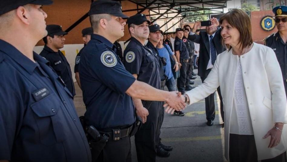 El Gobierno creó una oficina para defender los derechos humanos de los policías