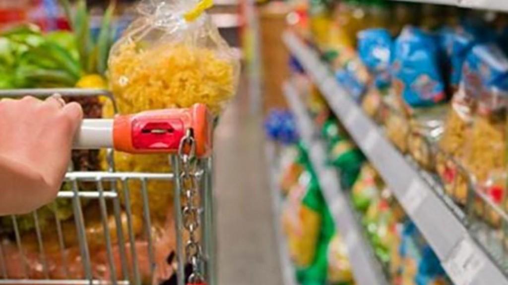 Precios muy esenciales pero muy poco saludables: Vino, arroz y harina pero ningún vegetal, queso o pescado