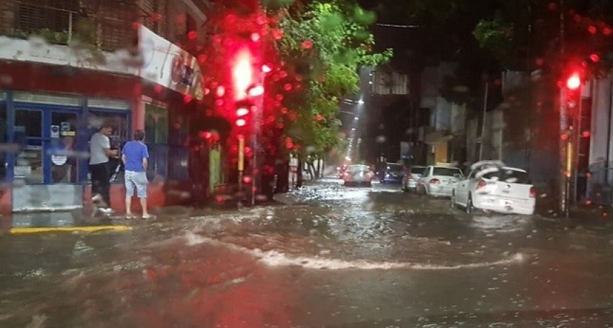 Lluvia torrencial causó problemas en gran parte del Valle Central