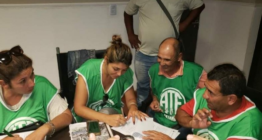 Acuerdo salarial del 28% para empleados municipales de Capayán