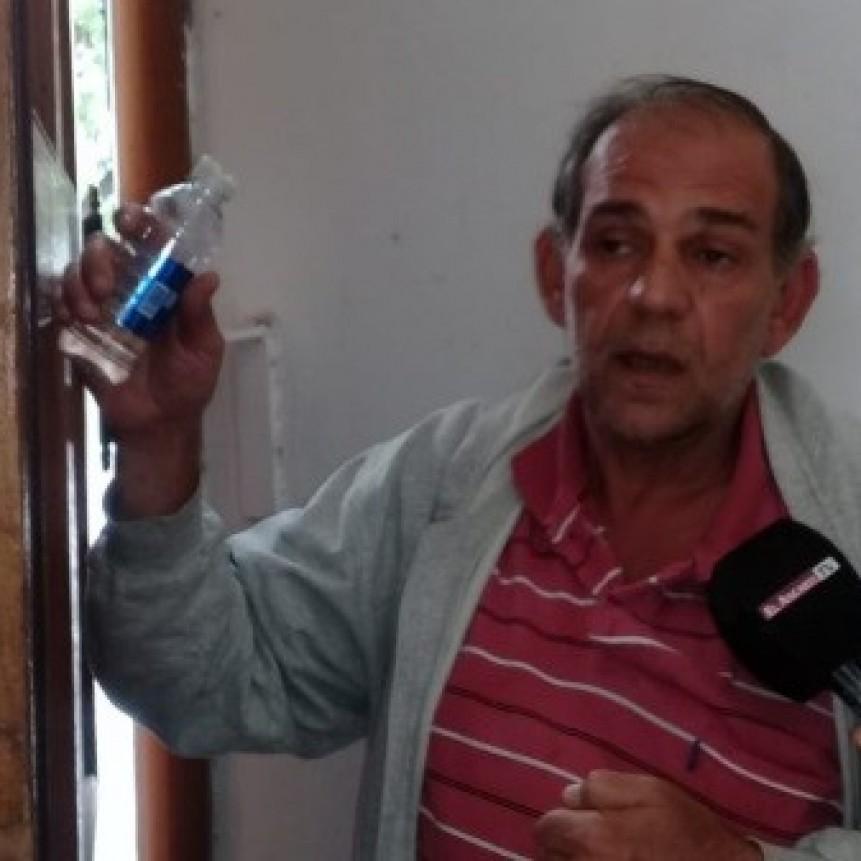 URGENTE: Amenaza con prenderse fuego en Casa de Gobierno