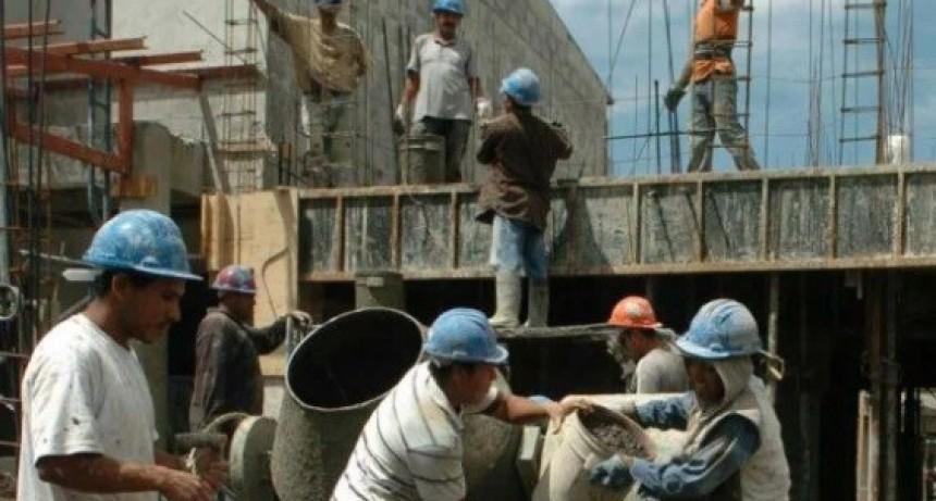 Números Indec: la industria bajó un 8,5% en febrero y la construcción un 5,3%