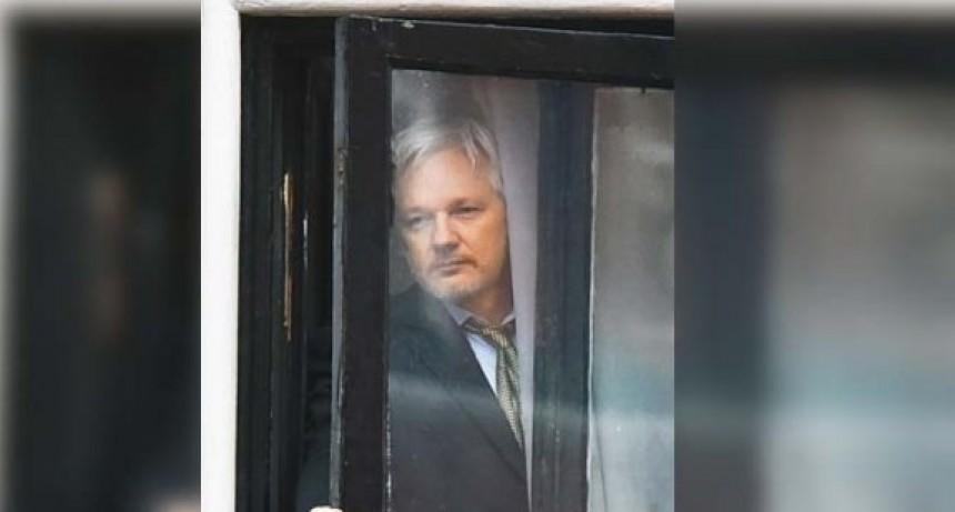 Julián Assange, preso de la crisis cibernética y ciber-ética de la democracia