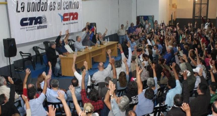 Moyano y las dos CTA confirman un paro nacional contra la política de Macri