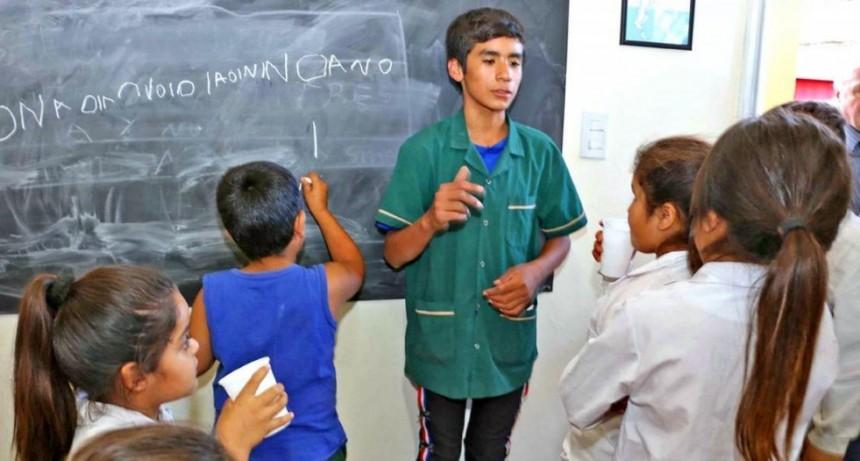 Precoz docente: Nico tiene 13 años y da clases de apoyo a chicos y Adultos