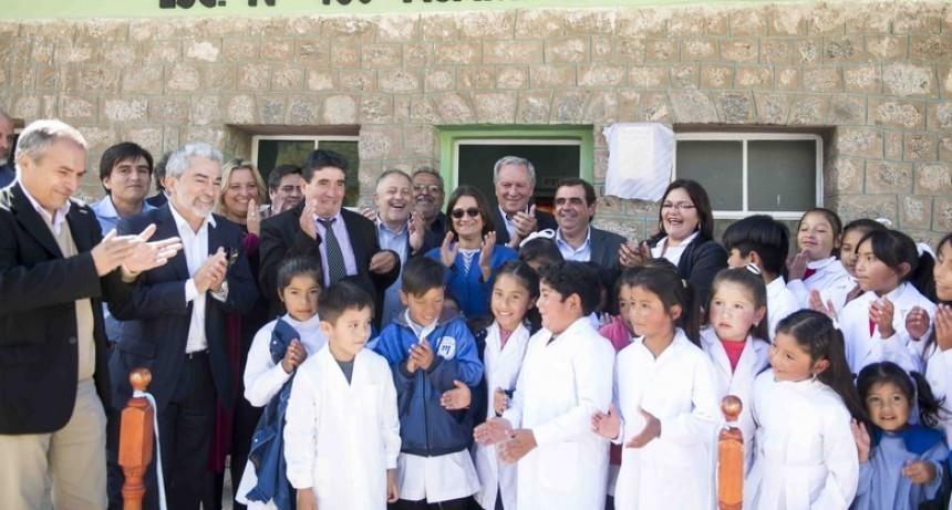 Corpacci inauguró una escuela rural y refacciones en Belén