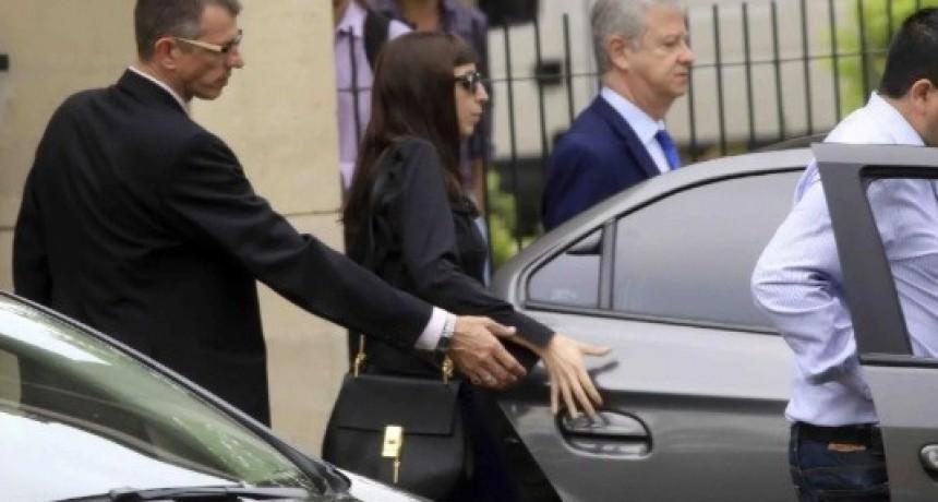 Peritos médicos informarán a la Justicia si Florencia Kirchner puede volver al país