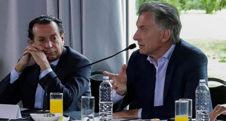 Mientras entran en vigencia los Precios Esenciales, Macri y Sica reciben a los empresarios que adhirieron al programa