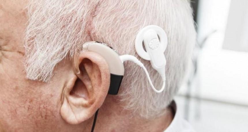 SANTA MARIA: Jubilado Docente sigue esperando el Implante Coclear