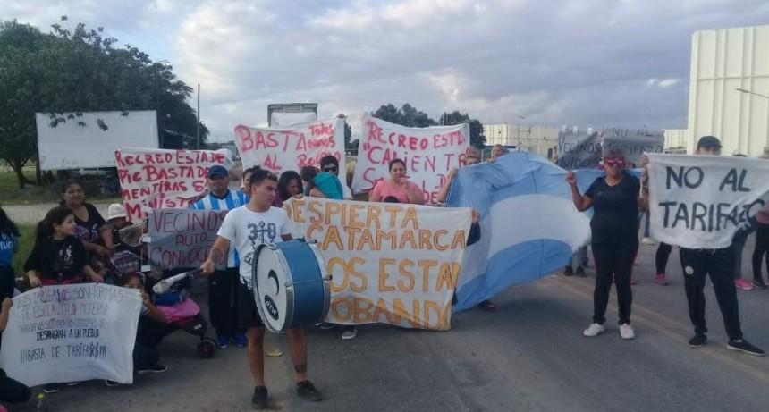 BOLETAS DE LUZ IMPAGABLES: Los autoconvocados de Recreo iniciaron un corte en la Ruta 157