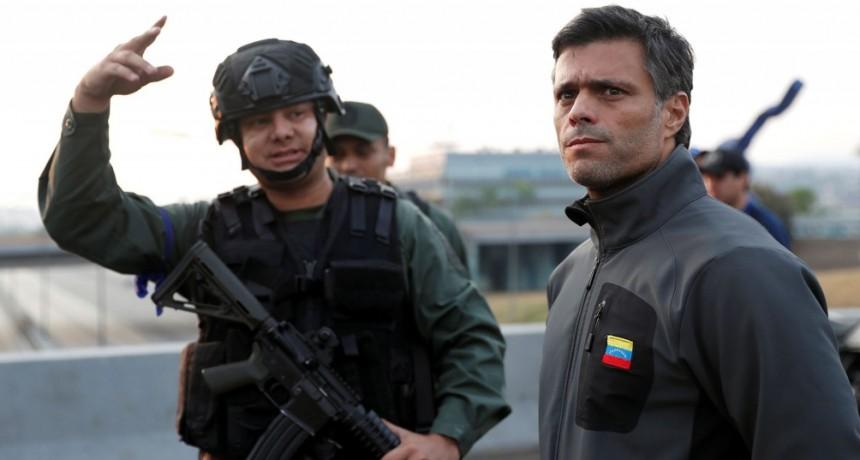 Todas las fotos del levantamiento militar en Venezuela liderado por Juan Guaidó