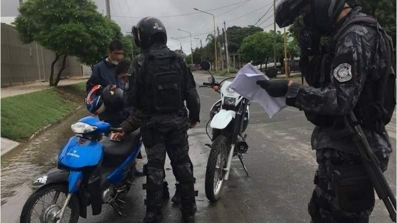 El COE Policial sigue recordando a la comunidad que NO DEBEN SALIR de sus domicilios