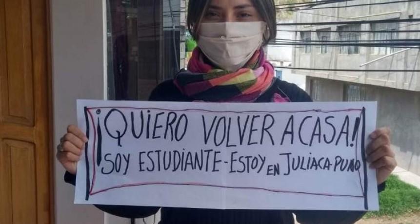 El desesperante momento que vive una estudiante catamarqueña varada en Perú