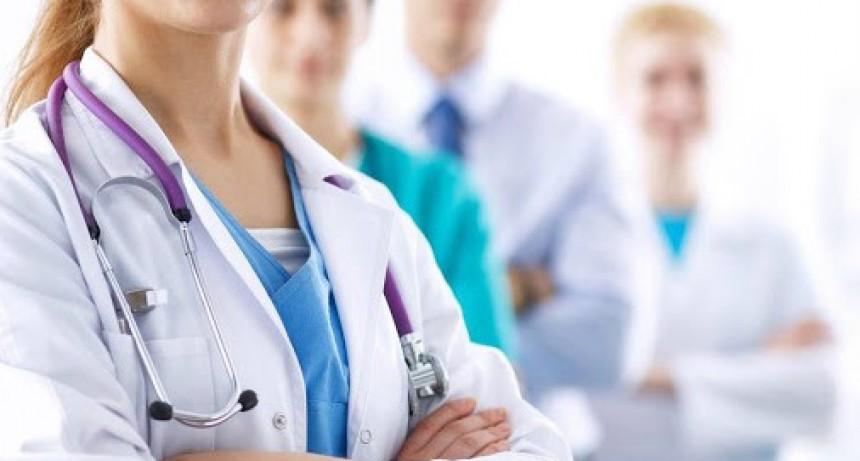 Médicos, odontólogos, laboratorios, ópticas y Rentas, volvieron a atender al público