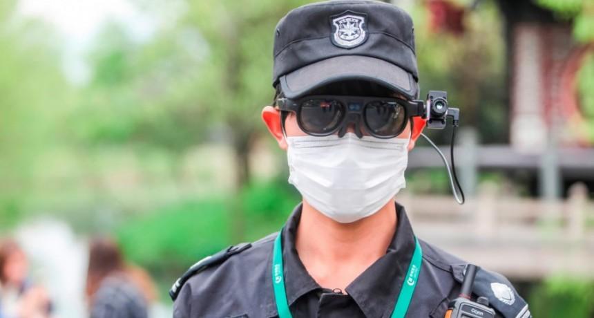 FOTOS: Crean en China unas gafas inteligentes que detectan posibles contagios de covid-19