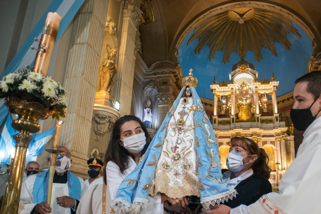 Comenzaron las  fiestas en honor a la Virgen del Valle