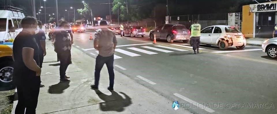 La Policía secuestró más de cien vehículos y notificó a más de un centenar de personas