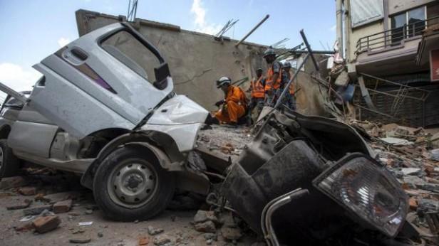 Un nuevo terremoto de 7,3 grados sacudió a Nepal: hay 20 muertos