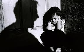 Se ordenó otorgar la guarda al padre biológico de la Nena golpeada por Karateca