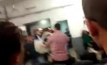 Hieren al hermano del senador Abal Medina y a otro joven durante una pelea en el CGP de la Comuna 4