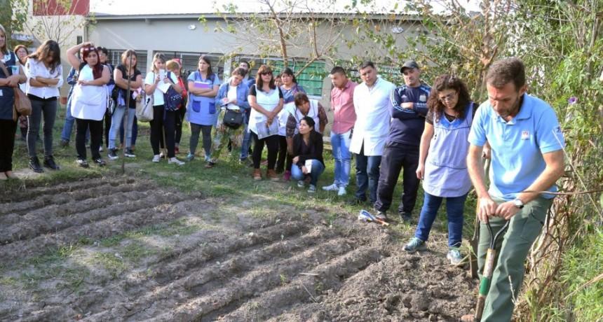 Salud coordina con INTA para trabajar en huertas comunitarias
