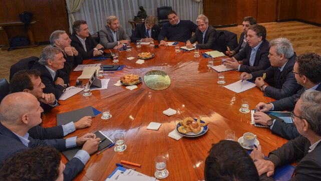 Dujovne pidió austeridad fiscal