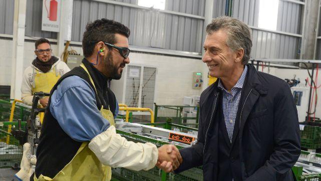 Macri relanzó en Córdoba la mesa automotriz