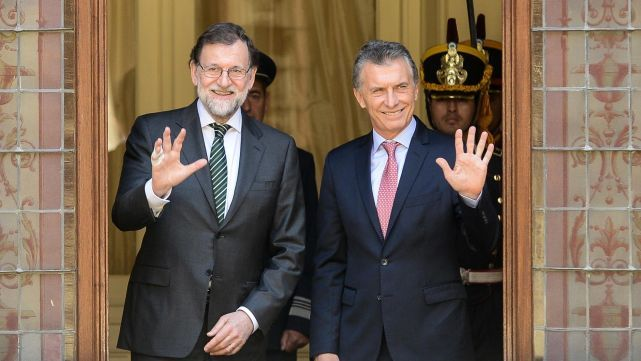 Macrihabló con Rajoy sobre las negociaciones con el FMI
