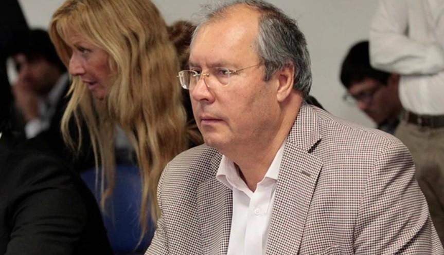 Balearon al diputado nacional Héctor Olivares en la esquina del Congreso y mataron a un hombre que lo acompañaba