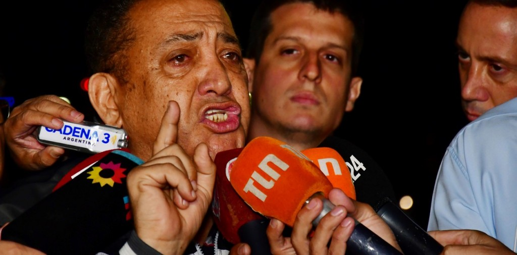 Luis D'Elía dijo que el Gobierno baleó a Héctor Olivares para tapar la presentación del libro de Cristina Kirchner