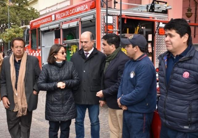 La Gobernadora hará efectiva la ayuda económica a bomberos voluntarios