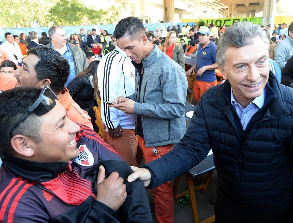 Macri compartió un asado con trabajadores del Paseo del Bajo