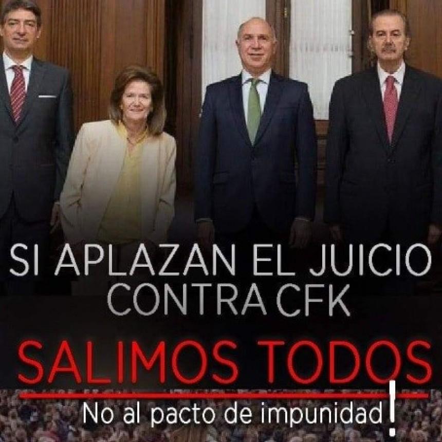 Cacerolazos en la Ciudad en repudio de la postergación del juicio de Cristina Kirchner