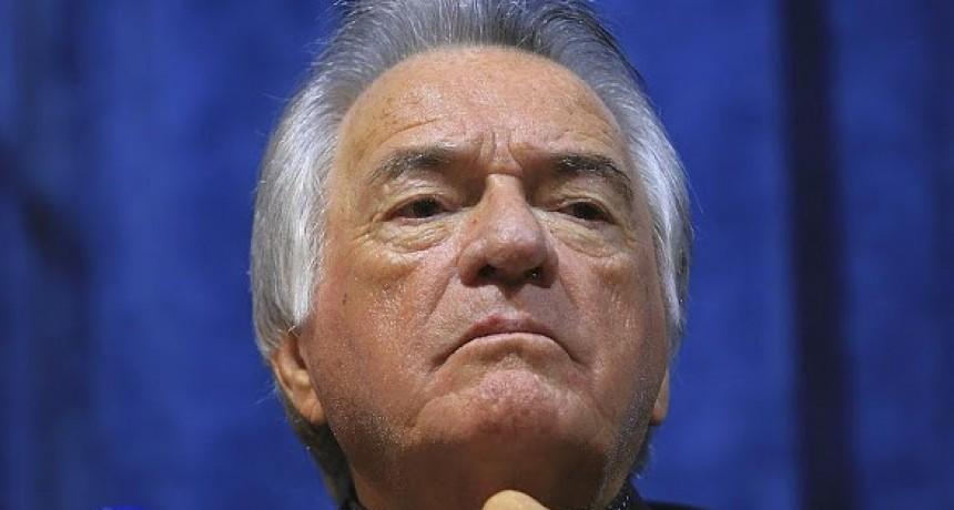 Barrionuevo acusó al Gobierno de extorsionar, e insiste por Lavagna
