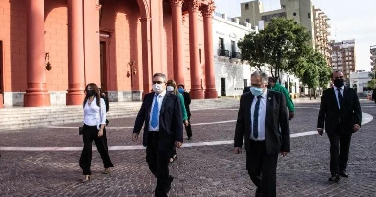 El gobierno crea el ARCA, cambia regalías y modifica la copa municipal, todo por Decreto