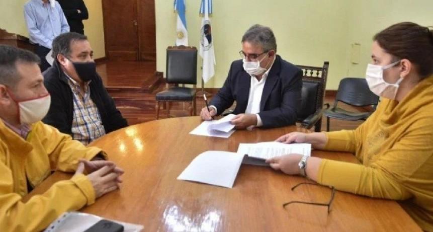Jalil firmó convenio para control de protocolos de prevención