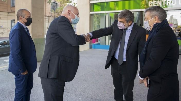 Delegación israelí visitó el Hospital El Cruce y se reunió con Salvarezza