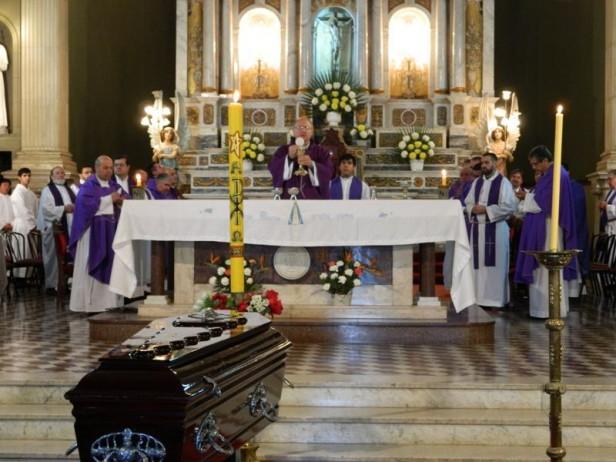 La Comunidad Catamarqueña le dio su último Adiós al Padre Carlos Orellana