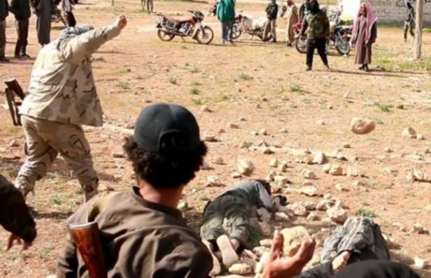 El Estado Islámico Lapidó a una Mujer por Adulterio