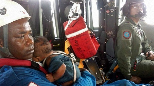 Colombia una mujer y su bebe sobreviven a una tragedia