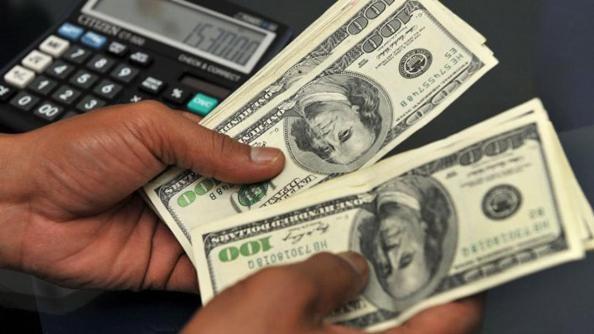 En julio devolverán las retenciones por las compras en dólares en 2015