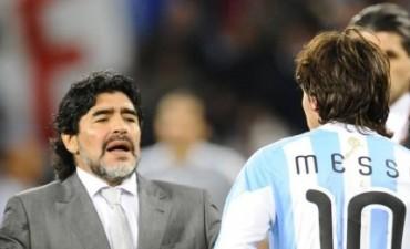 """Maradona defendió a Messi: """"Lo dejaron sólo y yo no lo quiero dejar solo"""""""