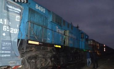 Al menos 20 heridos al chocar un tren de pasajeros y uno de carga en Rawson