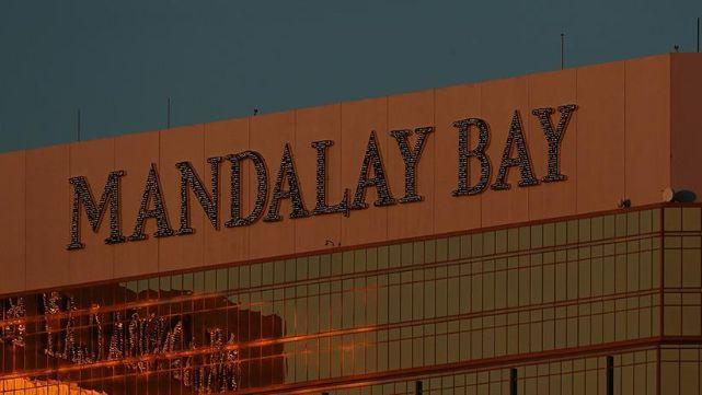 Masacre en Las Vegas: nuevas y estremecedoras imágenes y llamadas al 911