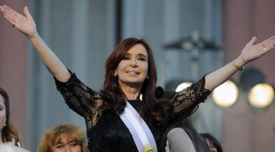 Vidente le tiró las cartas a CFK y predijo como sale en octubre