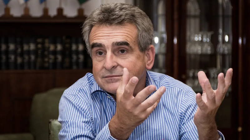 Agustín Rossi contra Miguel Angel Pichetto: Sólo te falta ser botón… o ya lo sos