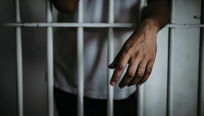 Abuso sexual en una comisaría: acusan a cinco jóvenes