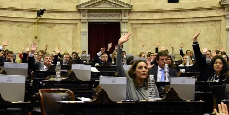 Rebelión de casi 50 diputados celestes del oficialismo contra una votación que impulsó el Gobierno