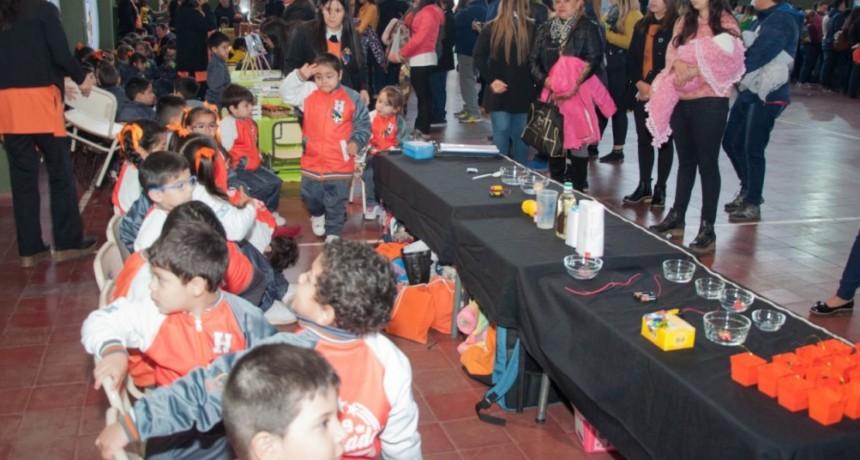 Pequeños científicos brillaron en la Feria de Ciencias 2019